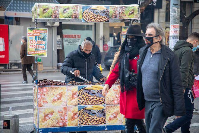 Παραμονές Χριστουγέννων στο κέντρο της Θεσσαλονίκης, 24 Δεκεμβρίου 2020