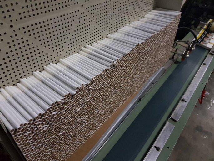 παράνομο εργοστάσιο τσιγάρων στο Αγρίνιο