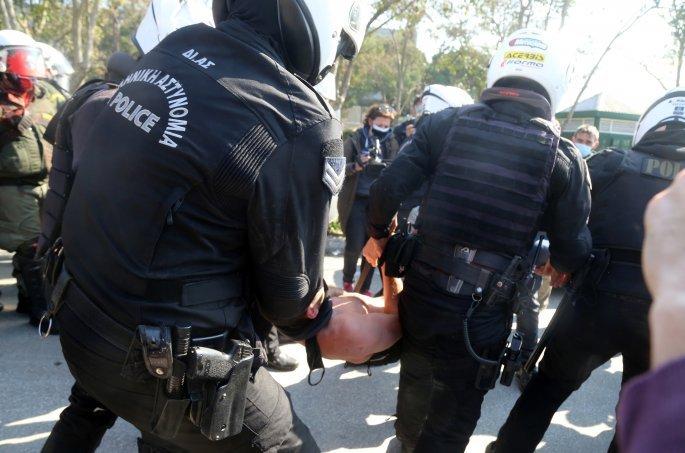 Ωμή βία Άσστυνομικών σε φοιτητές του ΑΠΘ